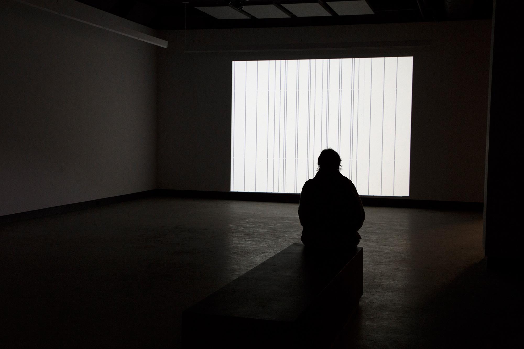 © Annja Krautgasser,  frame  (2002). Vue de l'exposition.Photo : Sara A. Tremblay.
