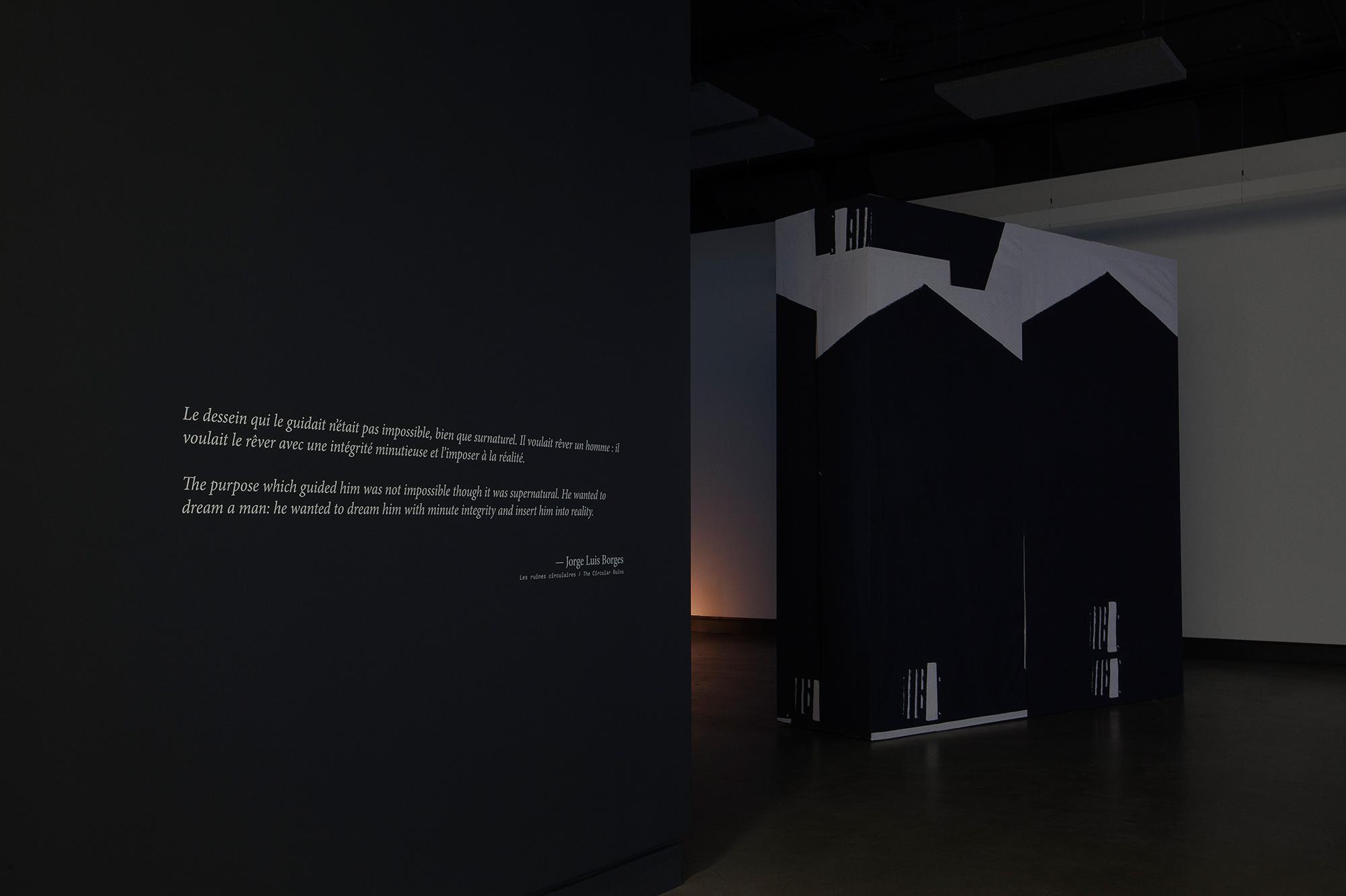 © Velibor Božović, vue de l'exposition  Nothing Will Surprise You Here (2017). Photo : Marilou Crispin.