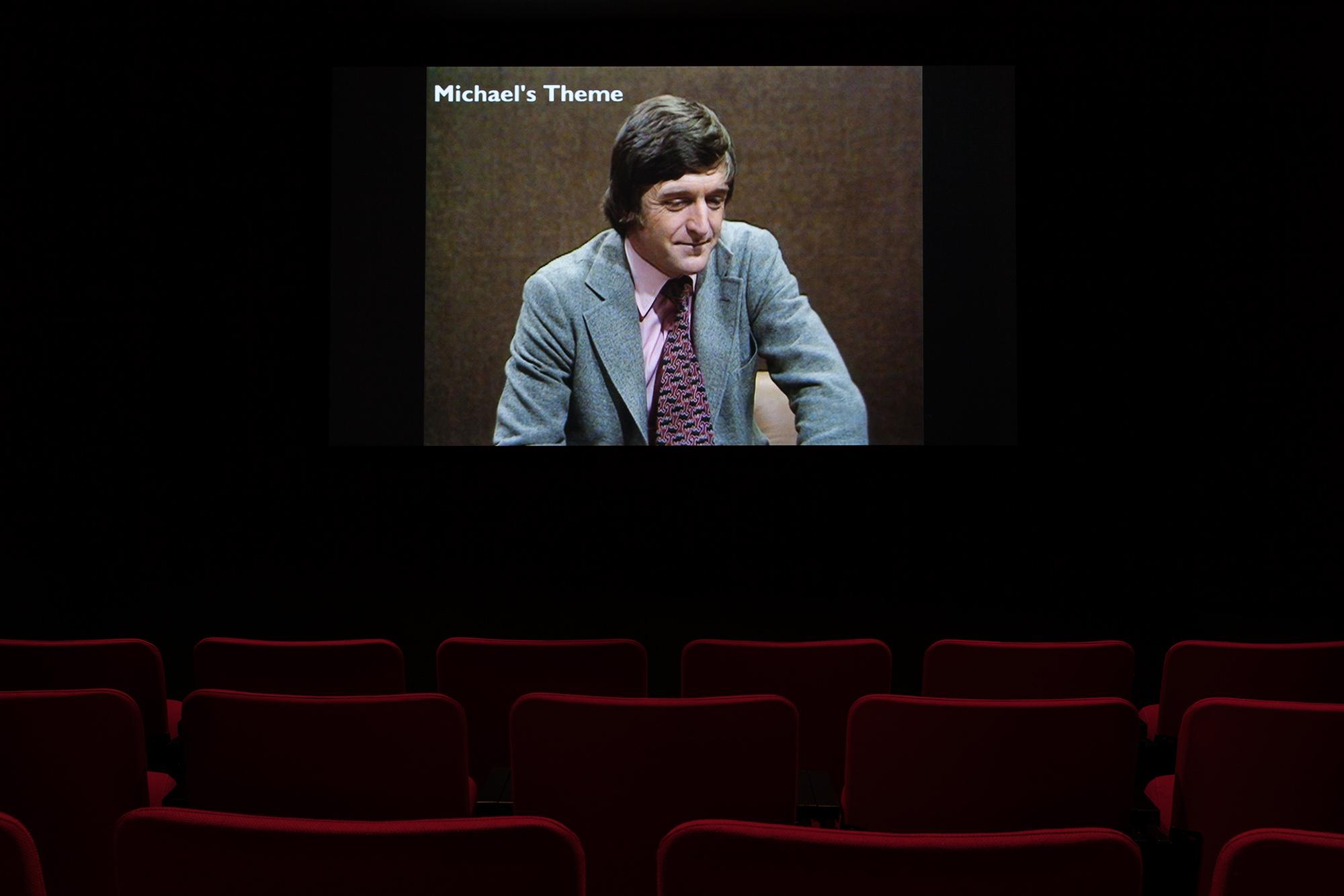 ©Kathryn Elkin,  Michael's Theme (2014). vue de l'exposition  Television . Photo : Marilou Crispin.