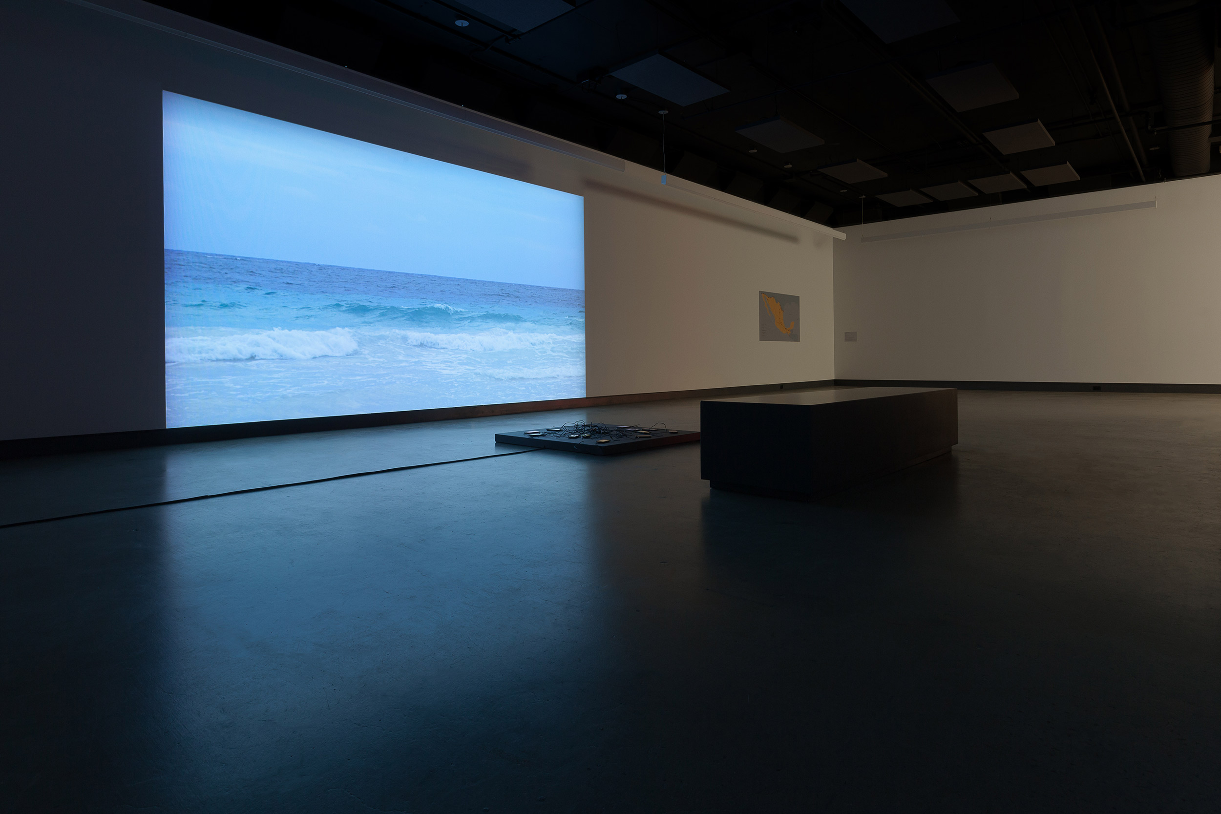 © Hubert Caron-Guay, vue de l'installation  Arroyos (2017). Photo : Marilou Crispin.
