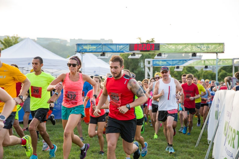 Runners start off strong at the  Cam Run Memorial 5k  2016 Photo by  Emily Lester