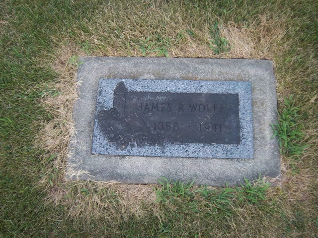 Gravestone of James R. Wolfe at Saint Columba Cemetery, Ottawa, Illinois (The VanFleets / Find a Grave)