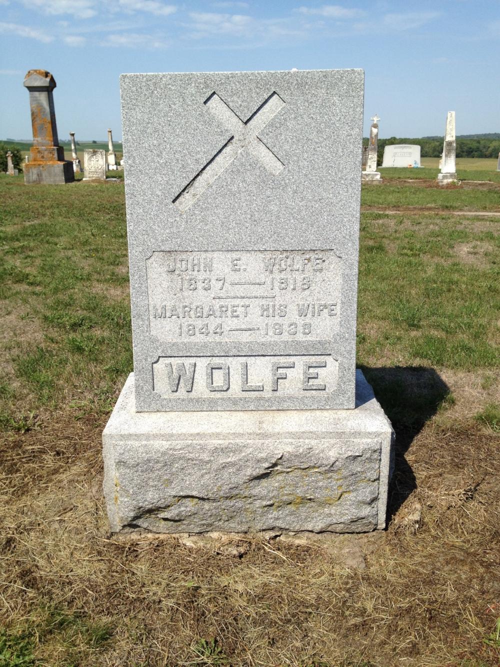 Gravestone of John E. Wolfe, Saint James Cemetery, Toronto, Iowa