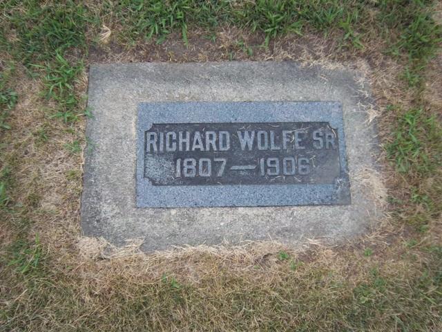 Gravestone of Richard Wolfe, Saint Columba Cemetery, Ottawa, Illinois (Find a Grave / The VanFleets)
