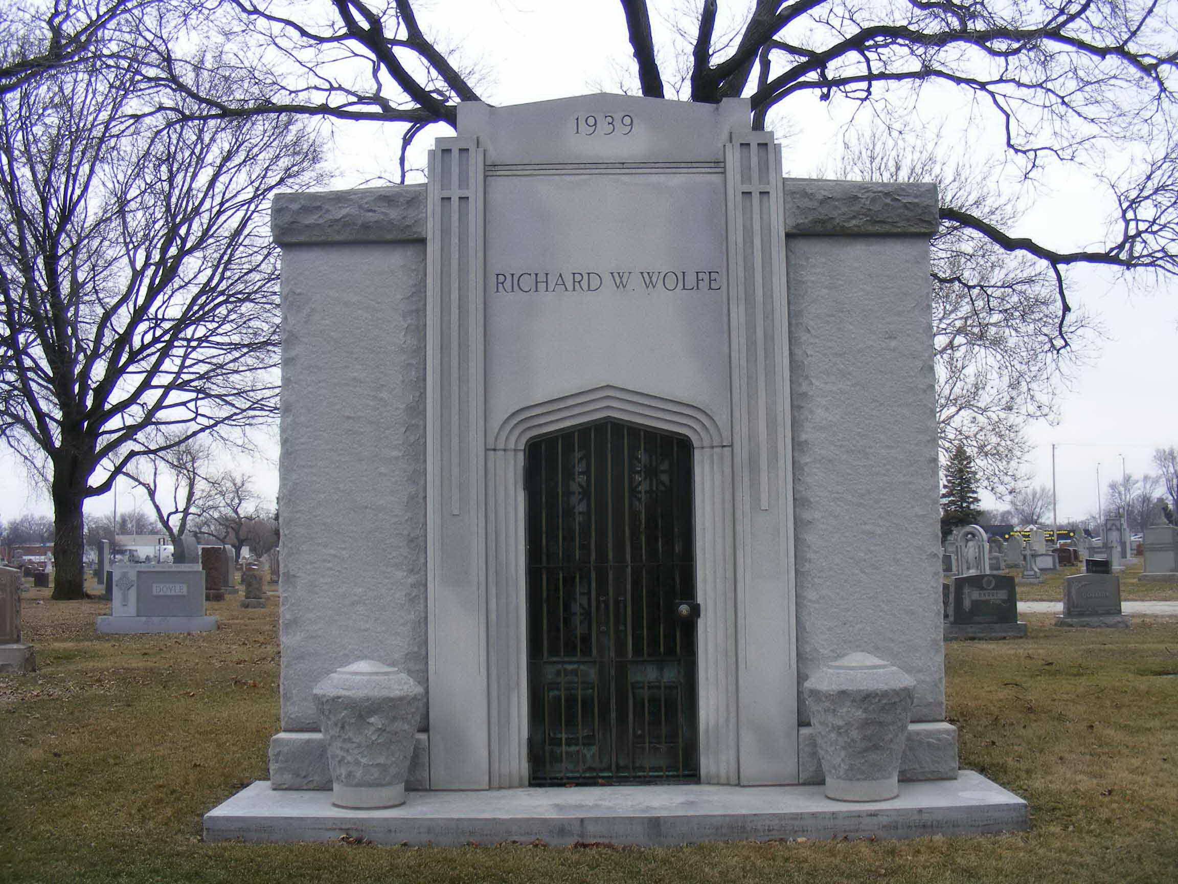 Wolfe burial place at Holy Sepulchre Cemetery in Alsip, Illinois