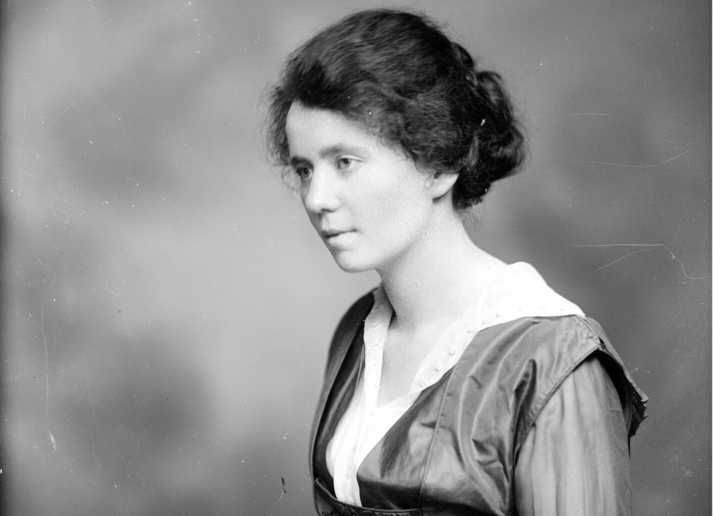 No photographs of Julia Hotopp are publicly available; this is Miss Elizabeth Henry, photographed in Charlottesville by Rufus W. Holsinger on July 5, 1917 (  University of Virginia Library  ).