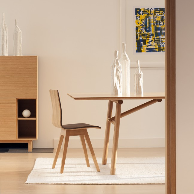 Love this table design by  Wales & Wales