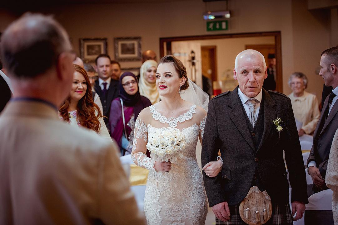 glwnskirlie castle vintage bride wedding ceremony