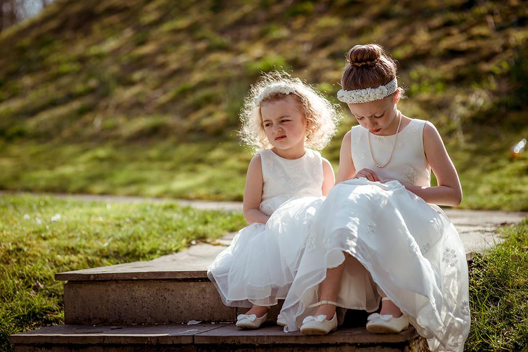 funny wedding photography glasgow scotland flowergirls headpiece