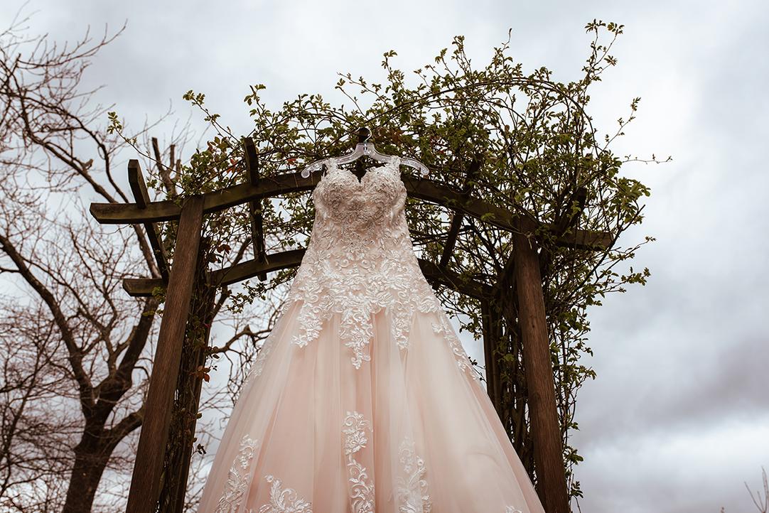 outdoor lace wedding dress glasgow