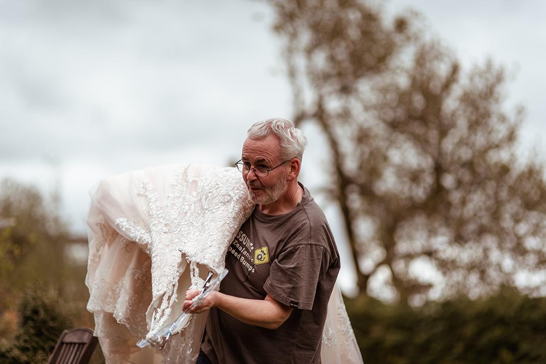lace wedding dress transport scotland