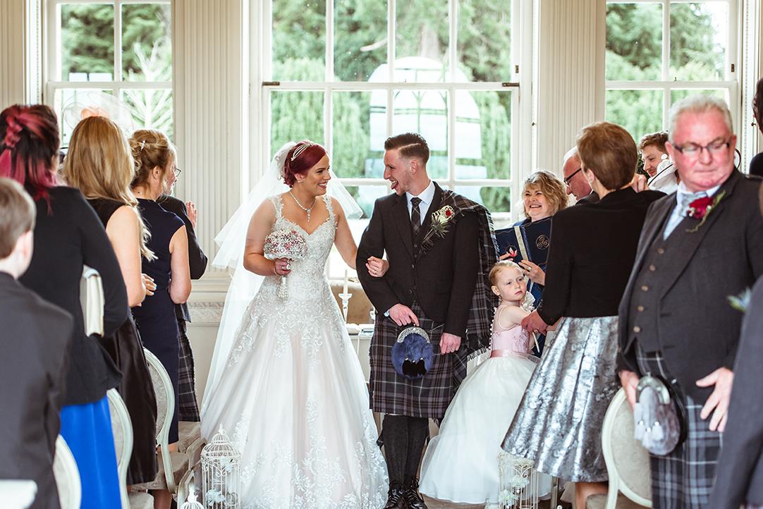 fun wedding photography glasgow (2).jpg