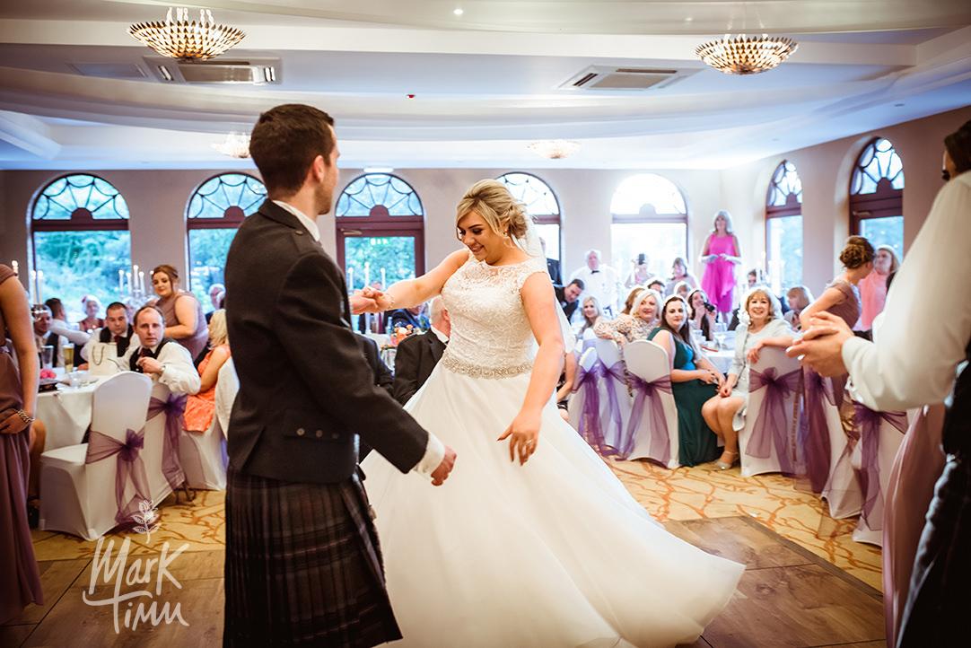 Gleddoch house wedding glasgow photographer (81).jpg