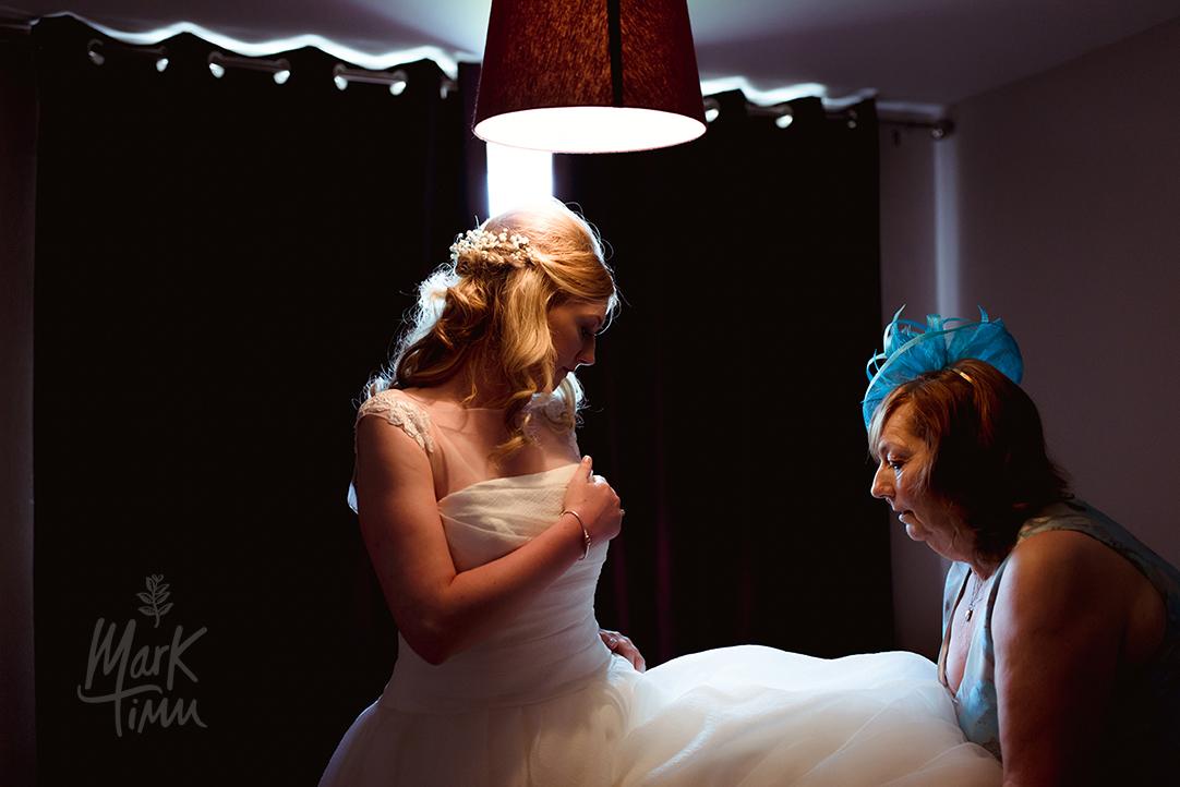 wedding dress fitting glasgow