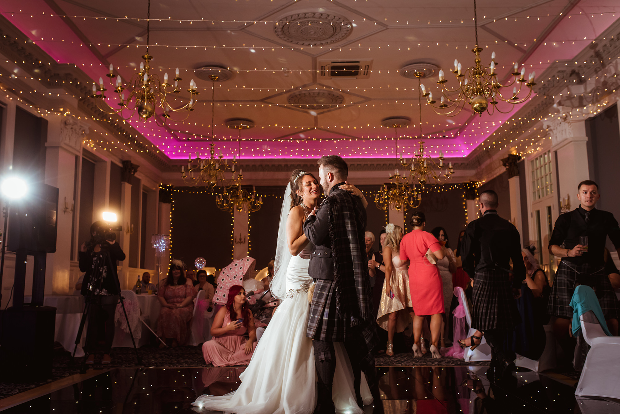 tontine wedding