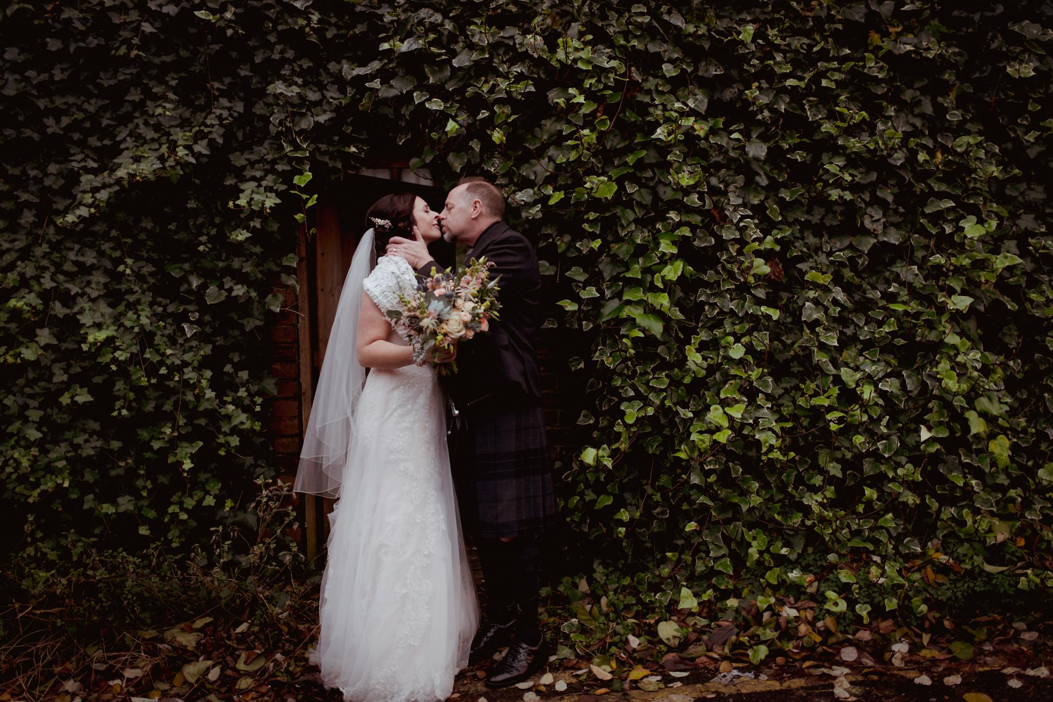Ubiquitous-Chip-wedding-photography-(9).jpg