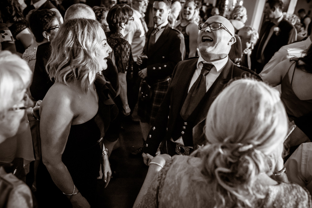 fun-brig-o-doon-wedding-photos.jpg