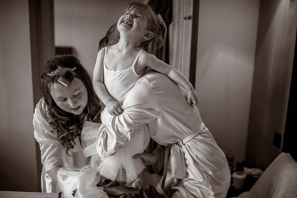 fun wedding photography glasgow.jpg