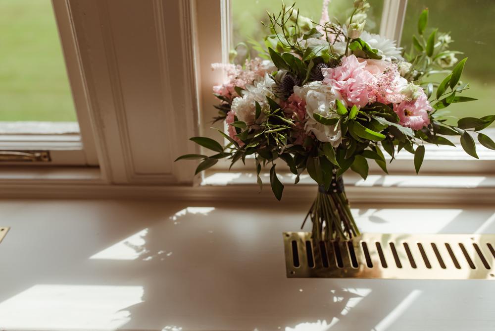 paperwhite-floral-design-wedding-flowers.jpg