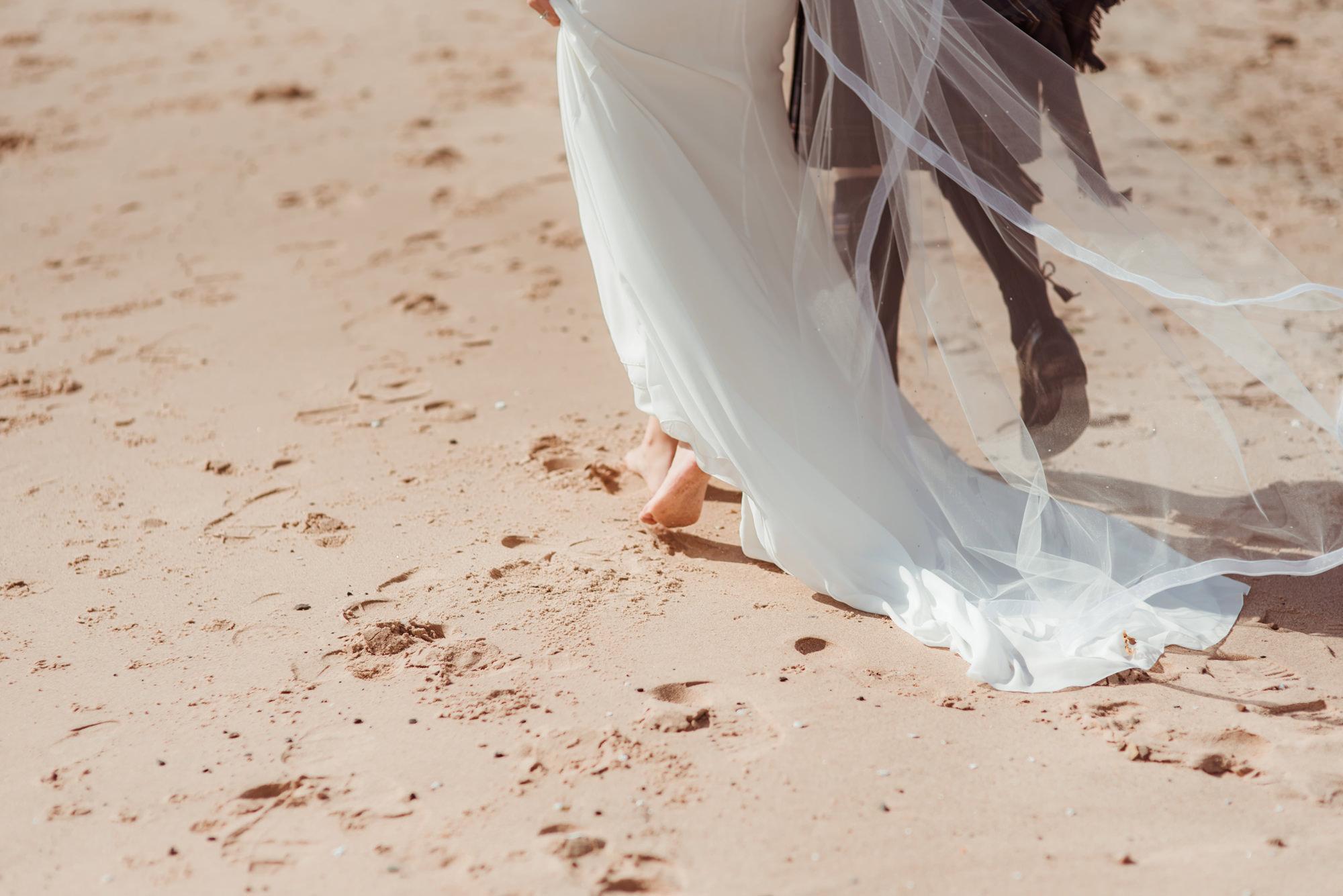 beach-wedding-near-glasgow.jpg