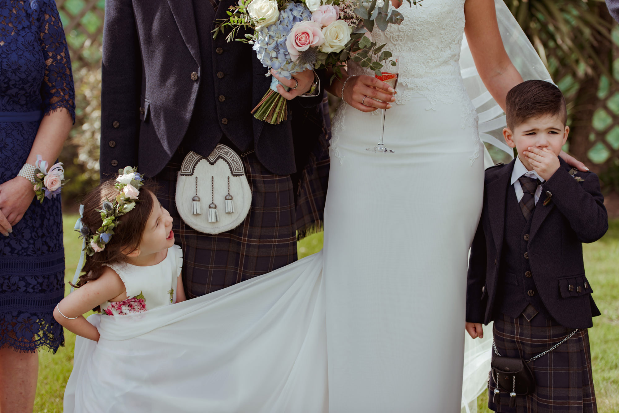 natural-wedding-photography-waterside.jpg