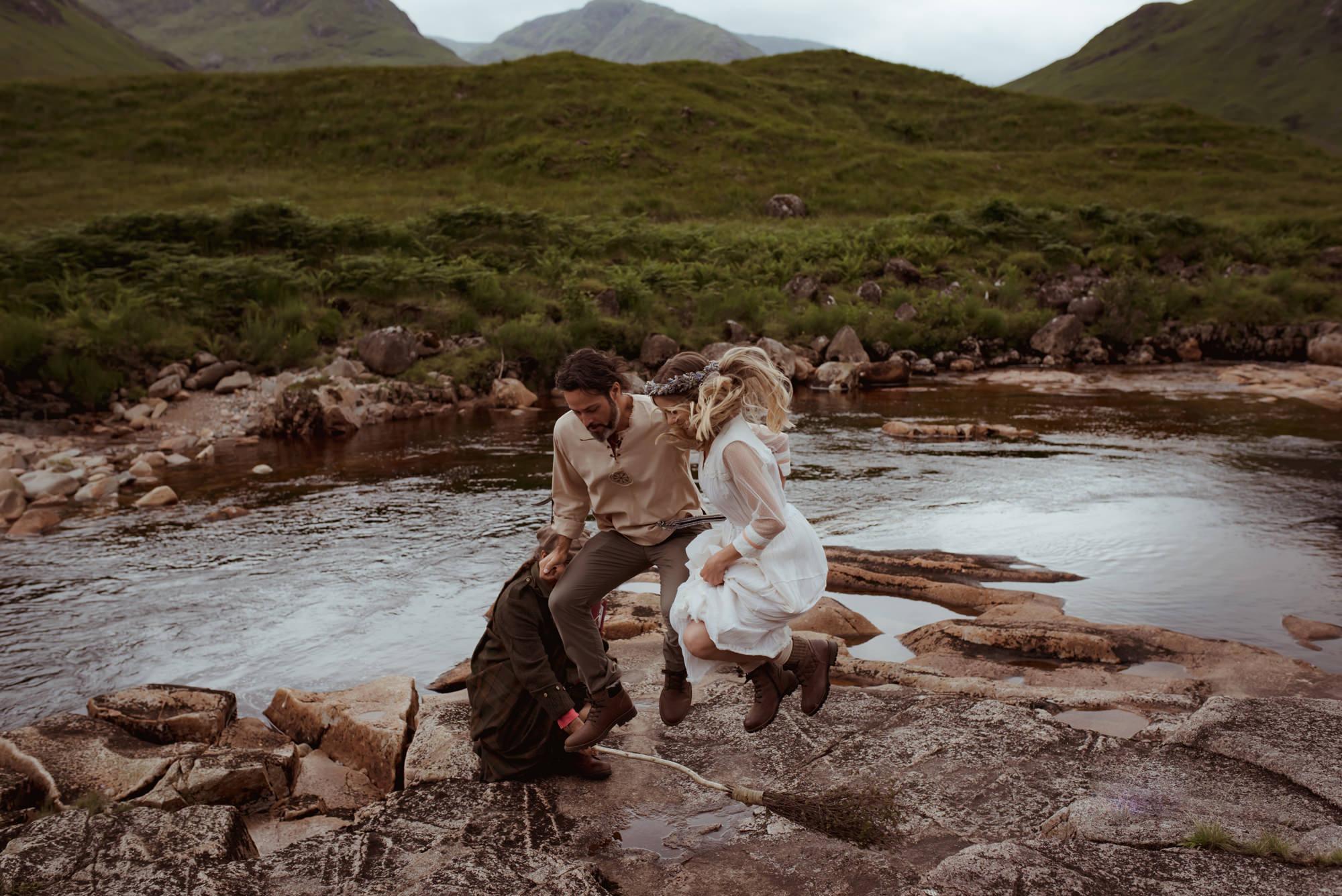 scottish-outdoor-wedding-ceremony-rituals.jpg
