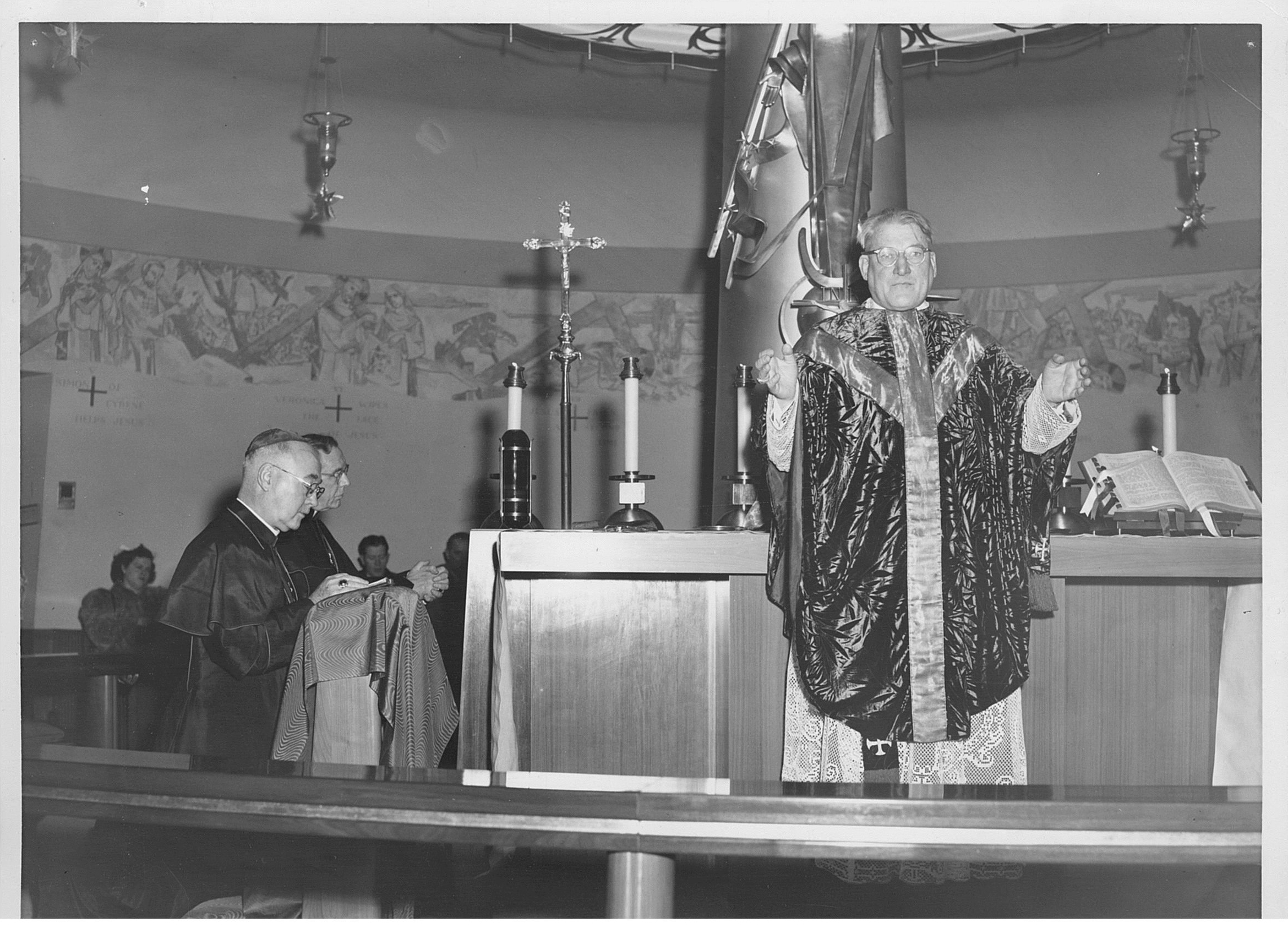 cushing dedicates 1951 chapel 2.jpg