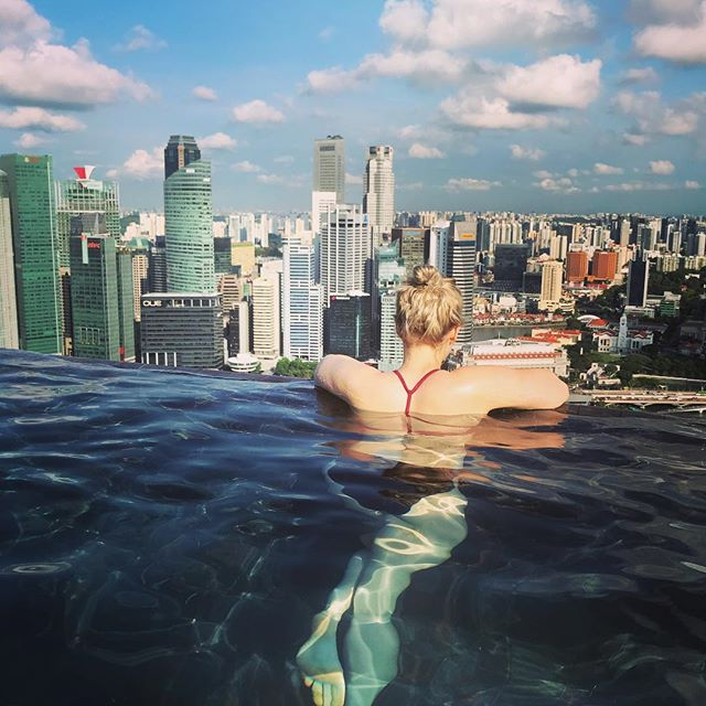 Saying goodbye to Singapore before heading to Kuala Lumpur! We had an amazing time here and I feel so fortunate to have spent a few days in this beautiful city with my favorite travel buddy. #singapore #marinabaysands #backpackinginstyle #poolwithaview #travel #seetheworld #thegoodlife #happy #grateful