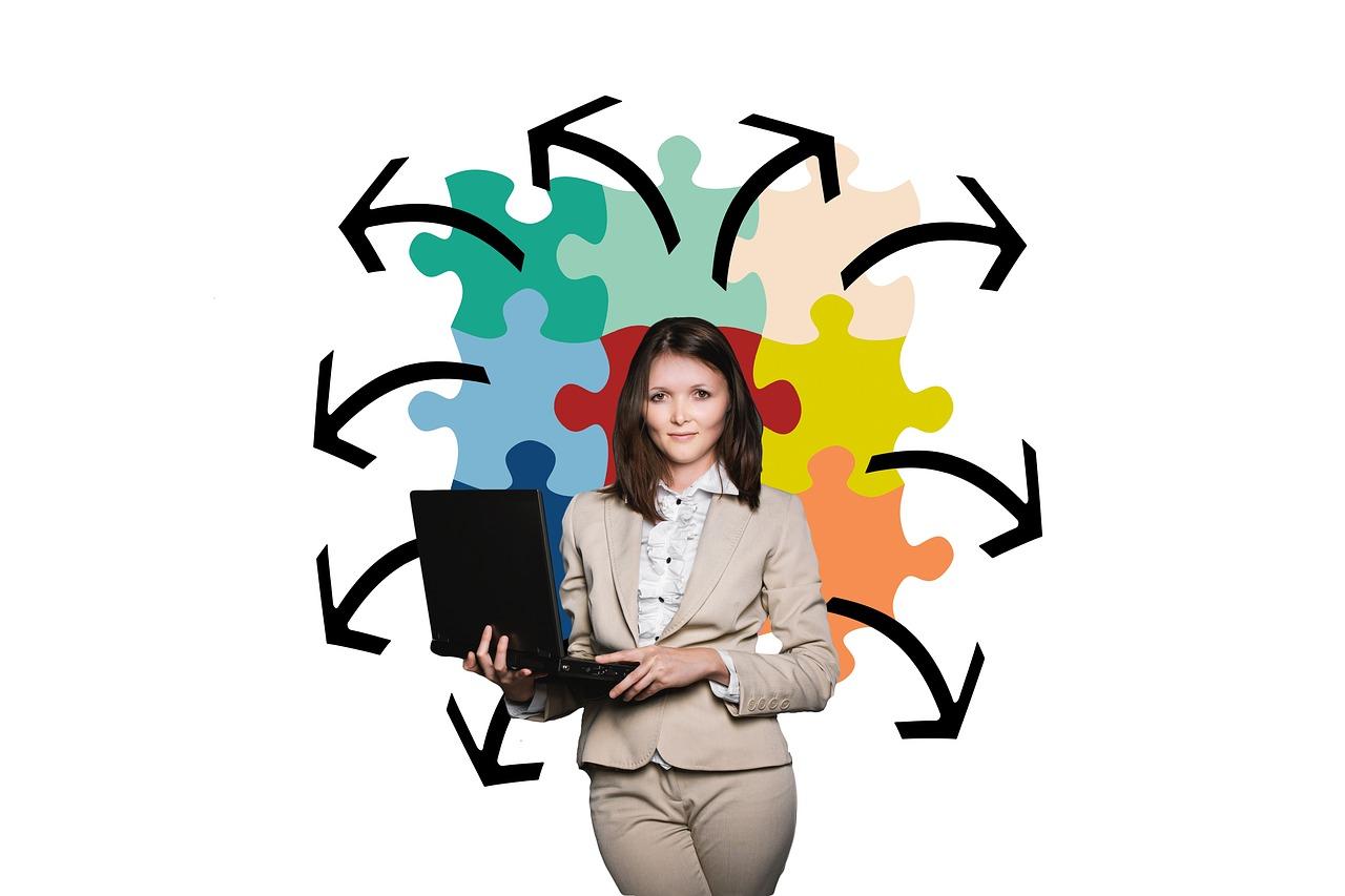 storyteller_ businesswoman-2822601_1280.jpg