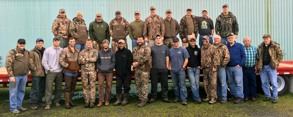 2016HydeCountyDuckHuntGroupMED[1].jpg