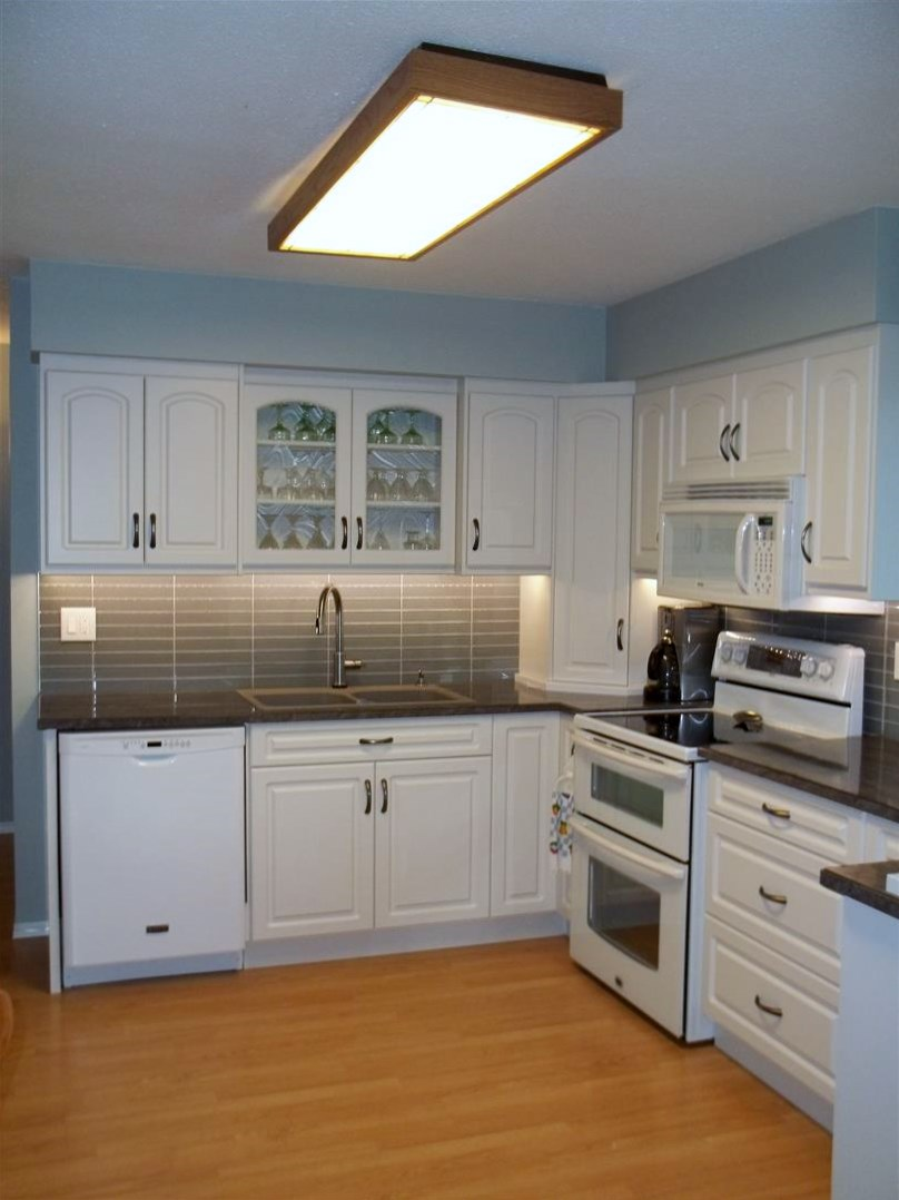 Classic White Painted Kitchen