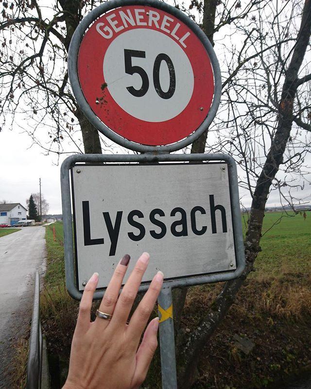 #stoppmissbrauch #lyssach #nägelmitköpfen #kummernummer