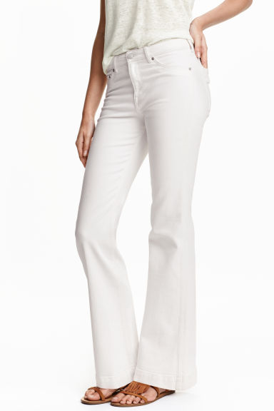 HM-White-Flared-Jeans.jpeg