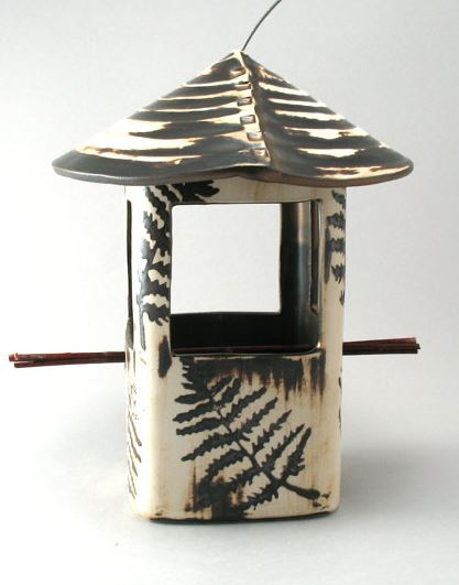 Bird feeder stoneware fern pattern.JPG