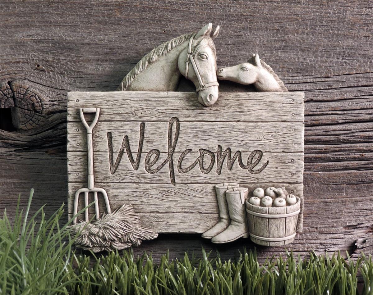1258 Barnyard Welcome.jpg