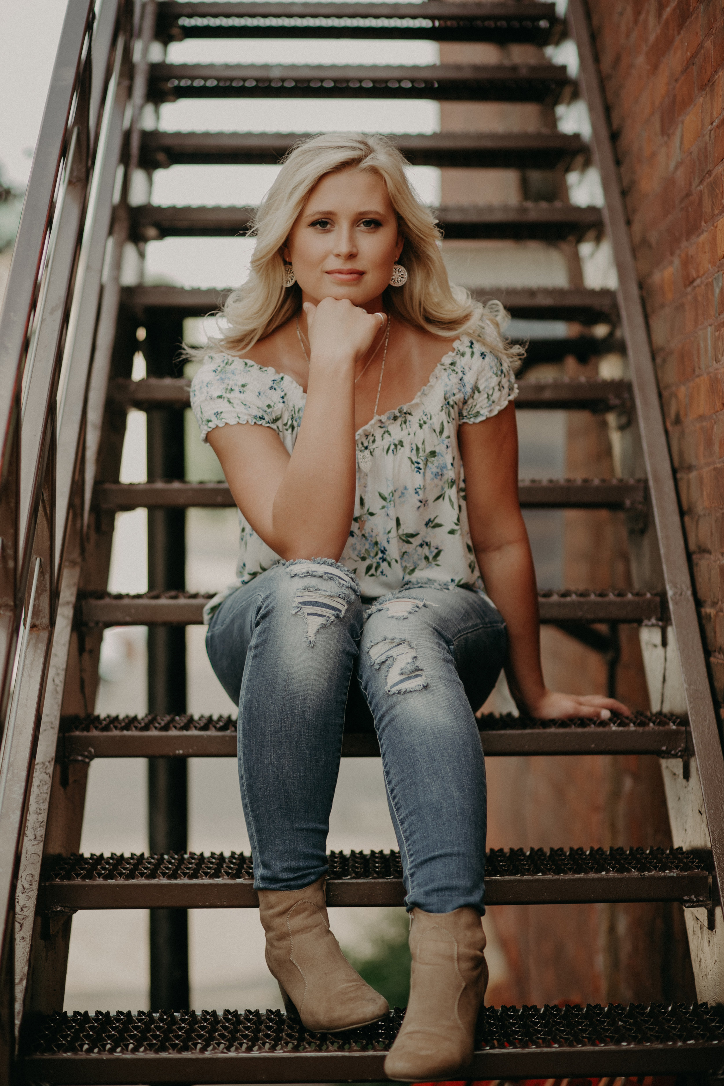 Hudson-wi-senior-stairs-downtown-portraits