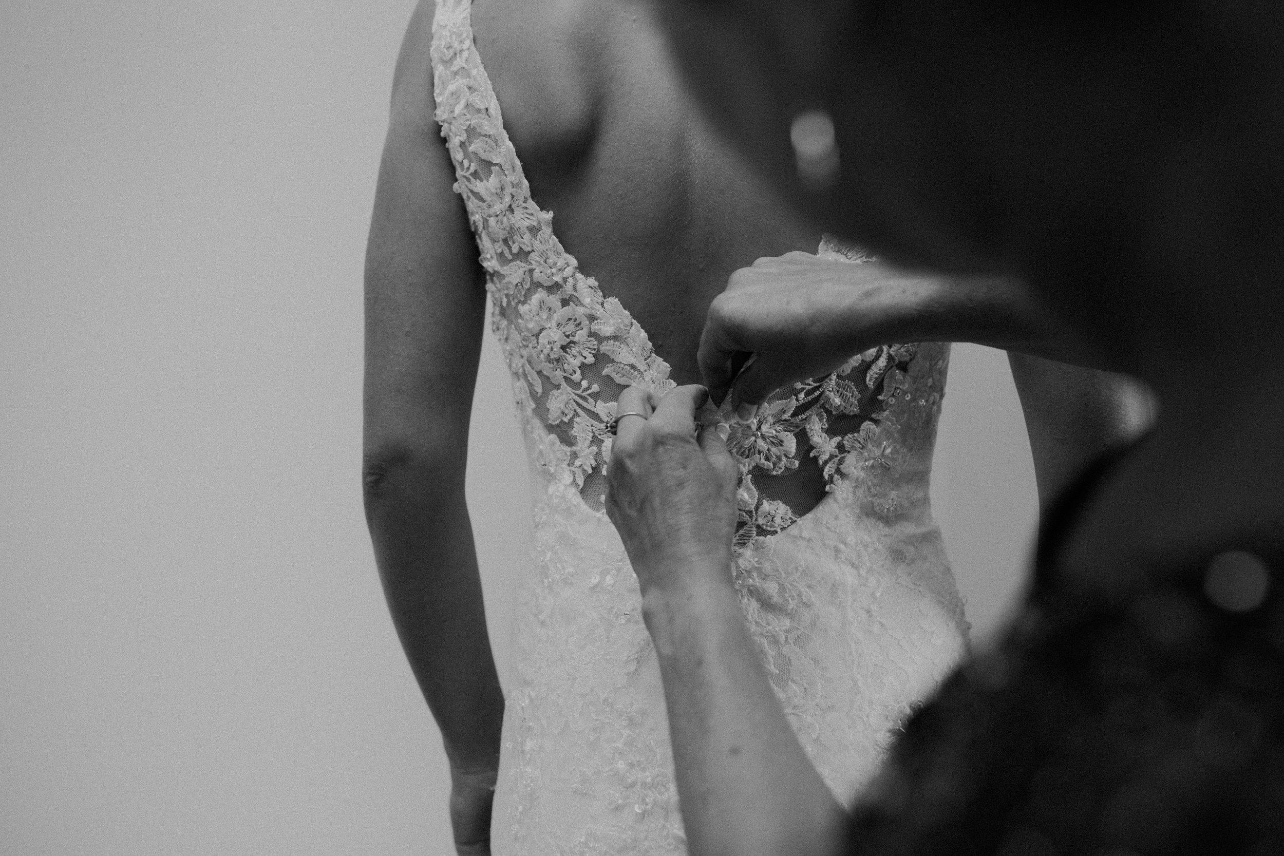 bride-dress-marshfield-wi-wedding-photographer