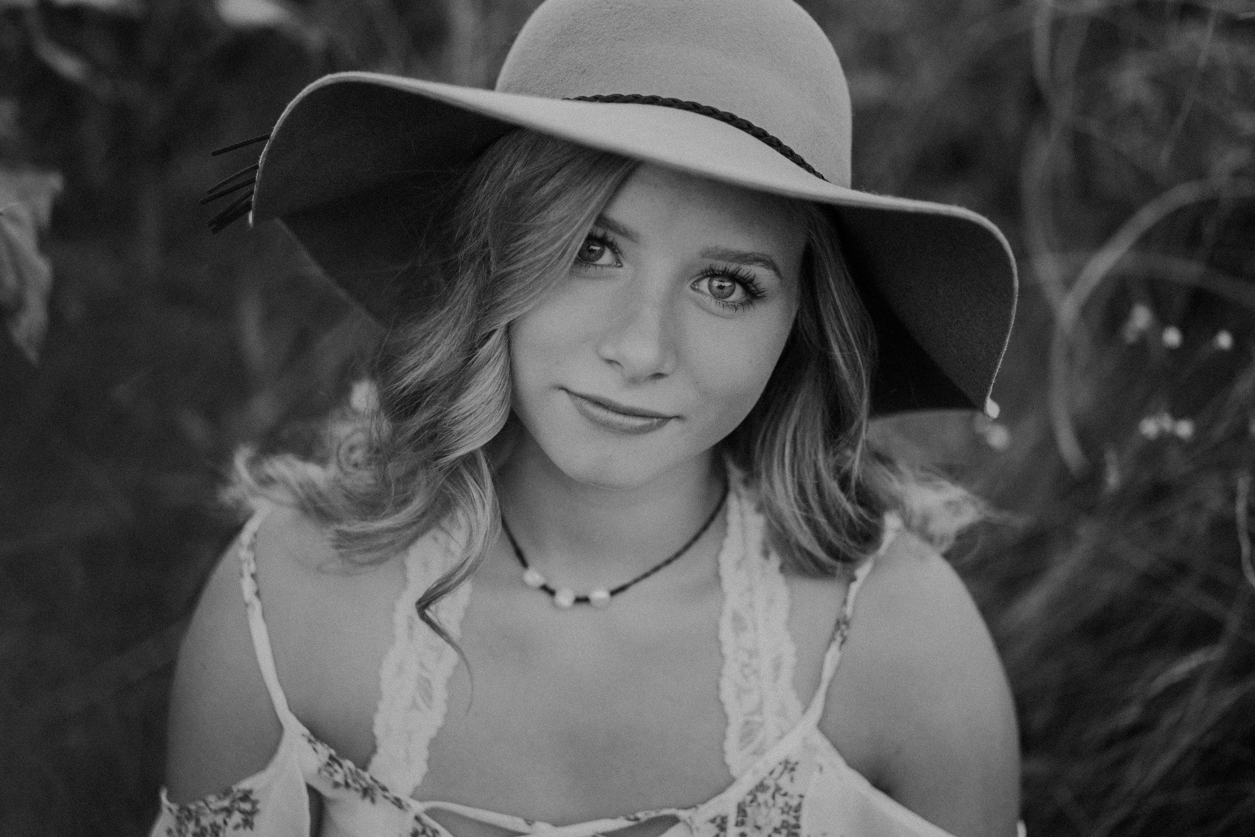boho-portrait-senior-photographer-hudson-wi
