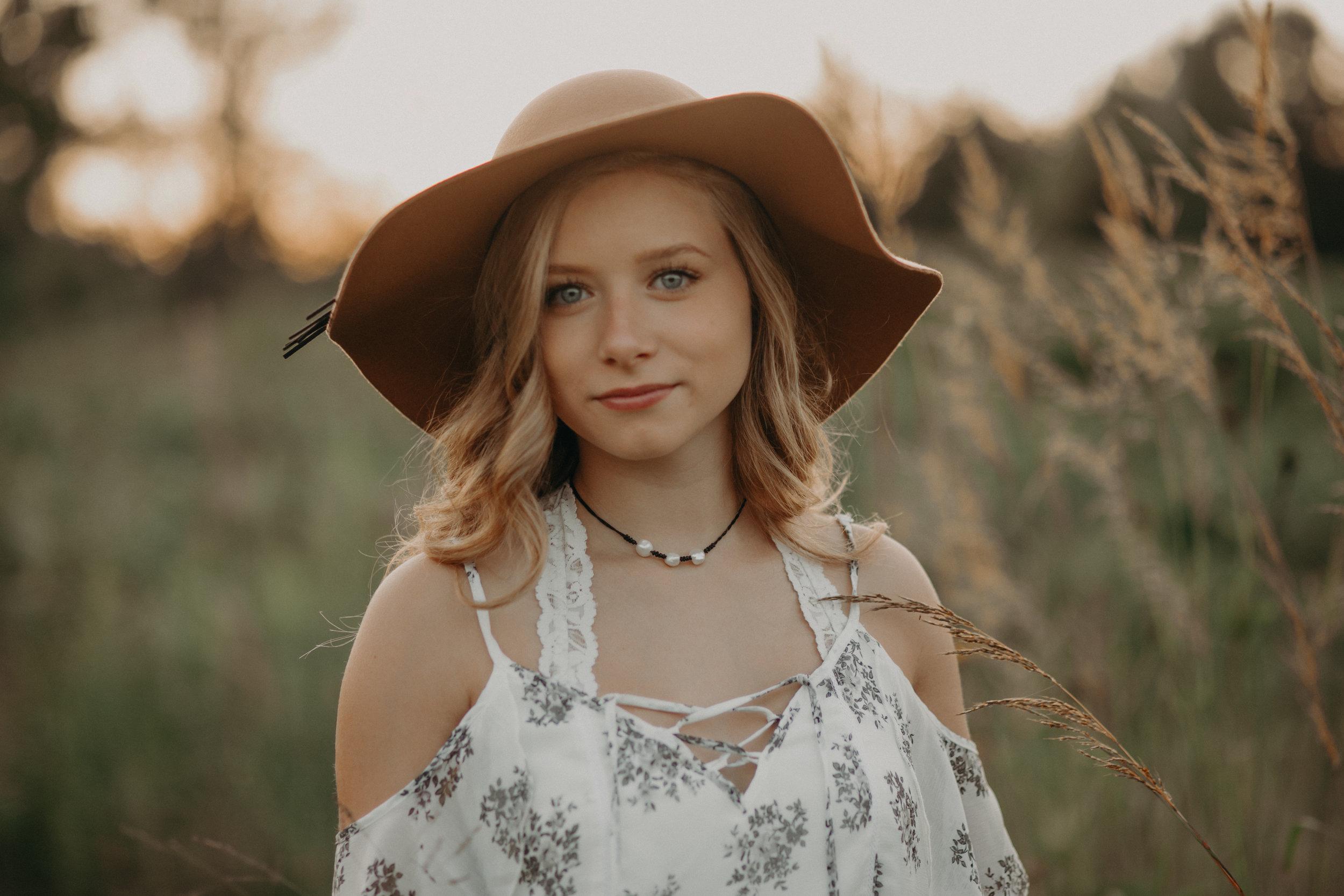 boho-sunset-senior-session-photographer-hudson-wi