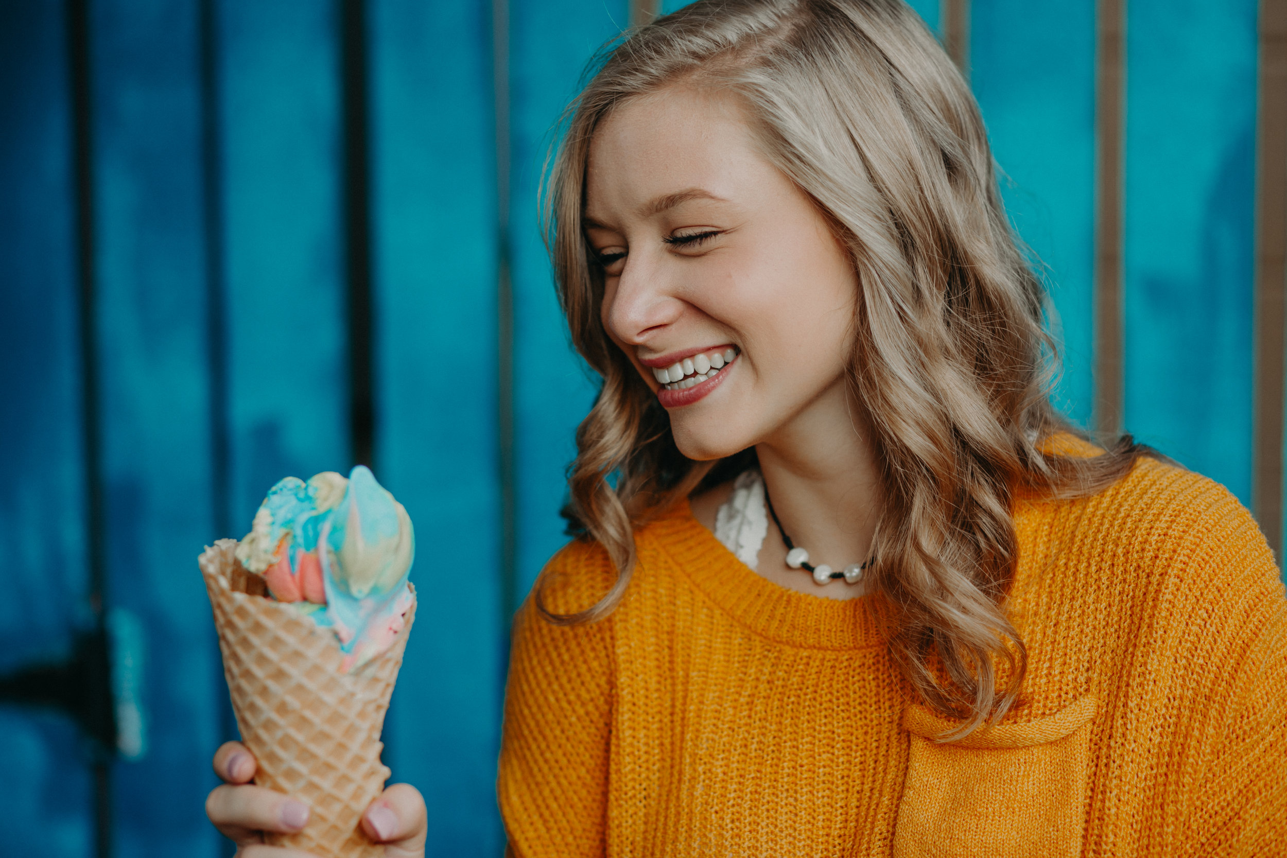 senior-photographer-hudson-wi-ice-cream-knokes