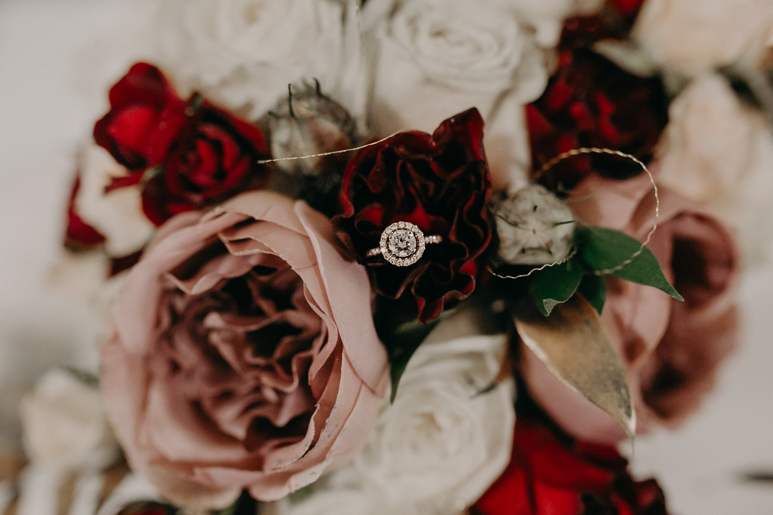 durand-wi-wedding-flowers-river-falls-photographer