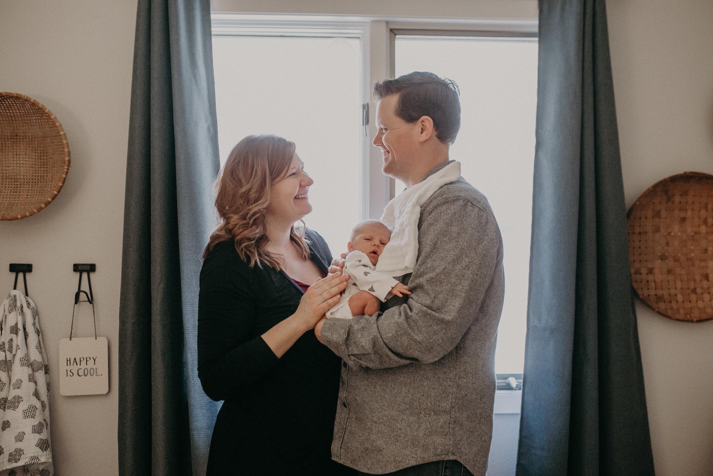 family-nursery-lifestyle-photographer-wisconsin