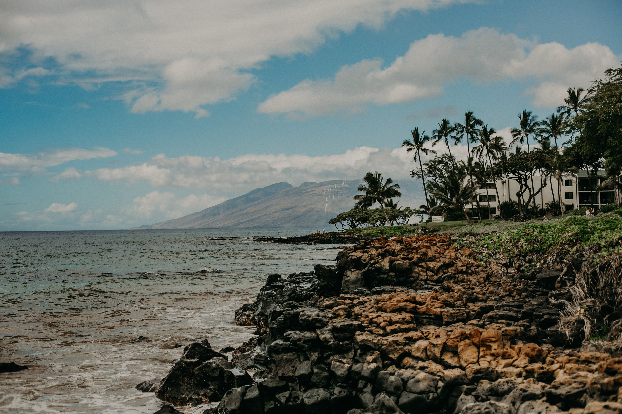 western_maui_mountains_hawaii_wedding_destination_photographer_waldorf_astoria