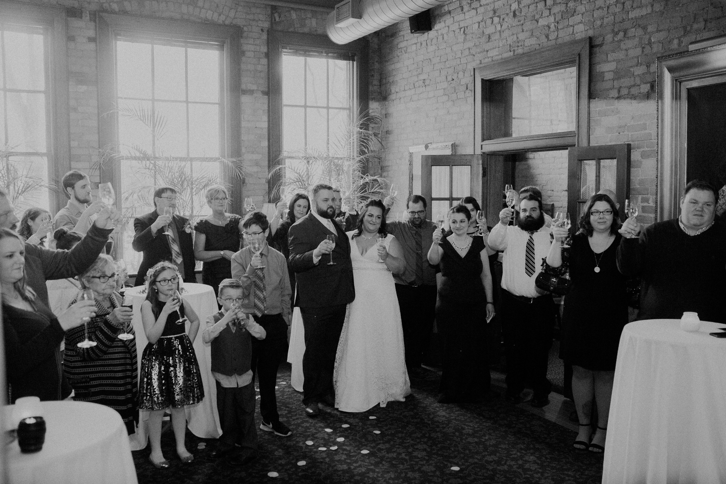 Intimate_Wedding_St_Paul_MN_WA_Frost_Sweeneys_Andrea_Wagner_Photography (63 of 99).jpg
