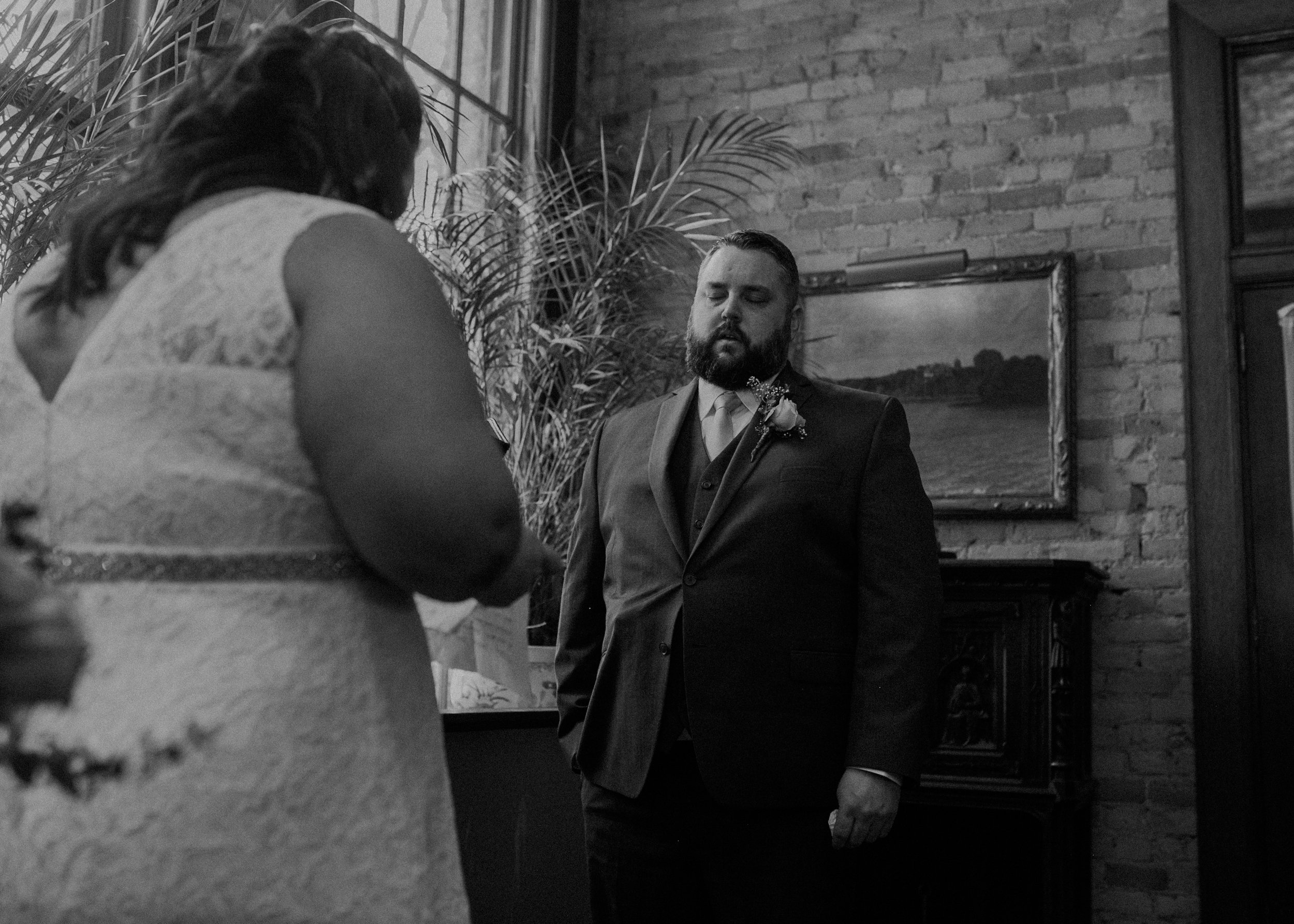 Intimate_Wedding_St_Paul_MN_WA_Frost_Sweeneys_Andrea_Wagner_Photography (53 of 99).jpg