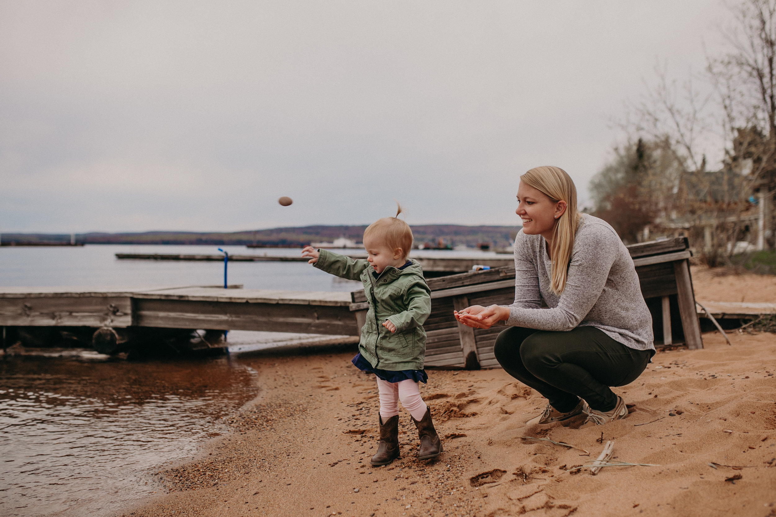 a lifestyle family photo shoot on Madeline Island with Andrea Wagner Photography
