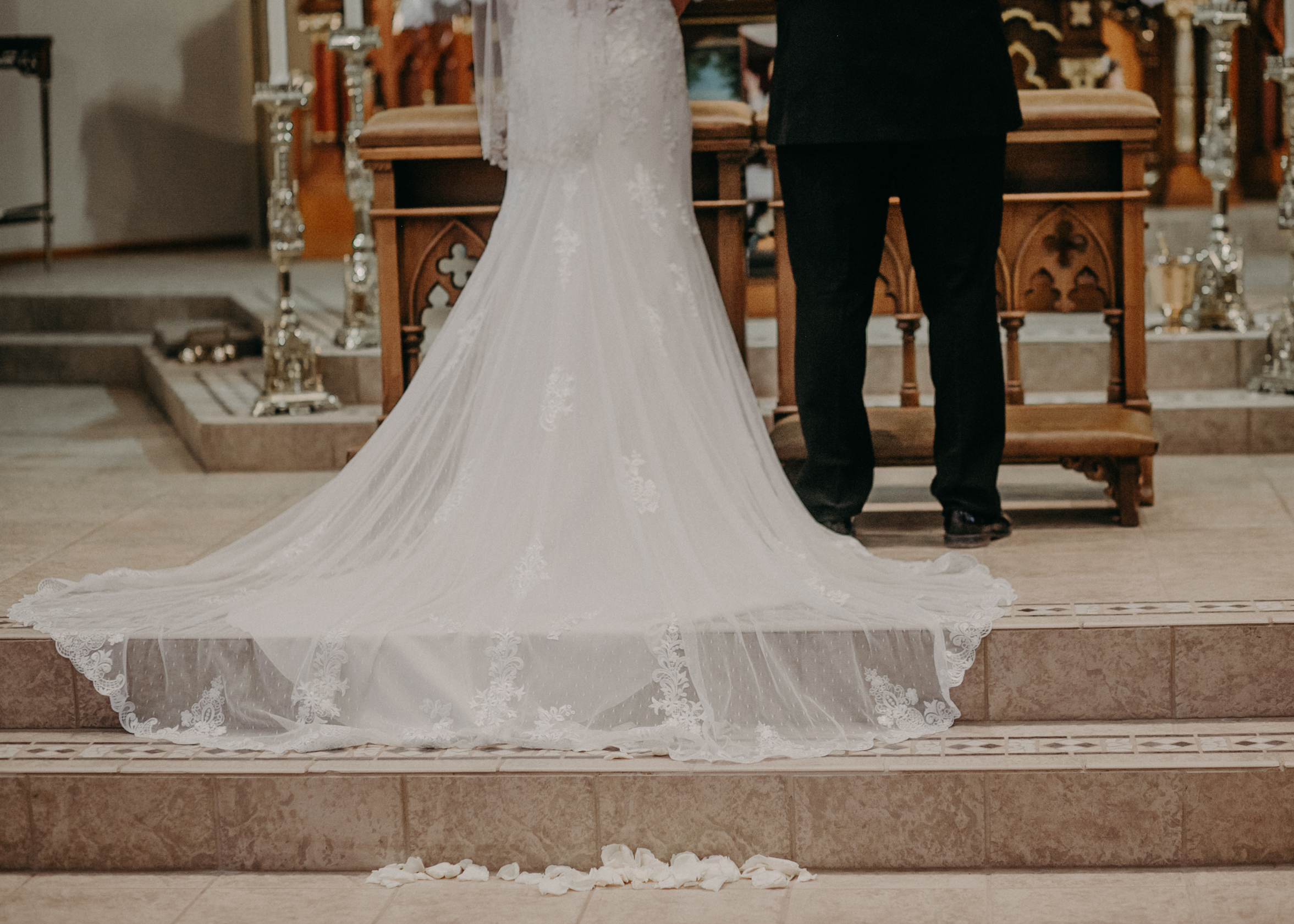 elegant Marshfield WI religious wedding by Andrea Wagner Photography