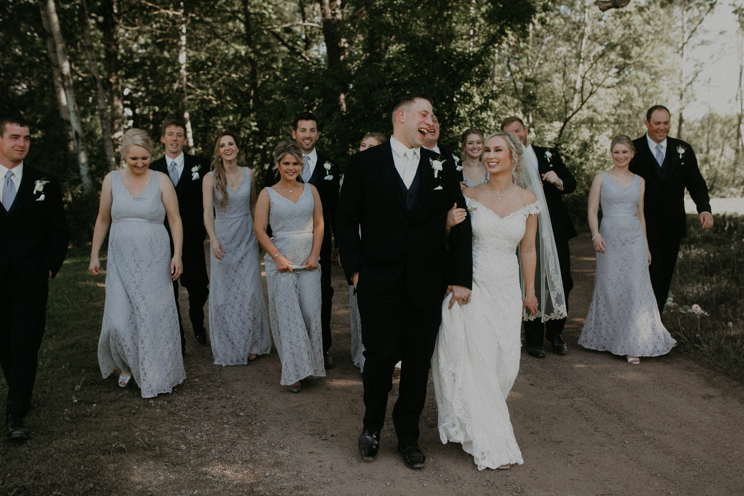 a Marshfield WI wedding party at RiverEdge Golf Club photographed by Andrea Wagner