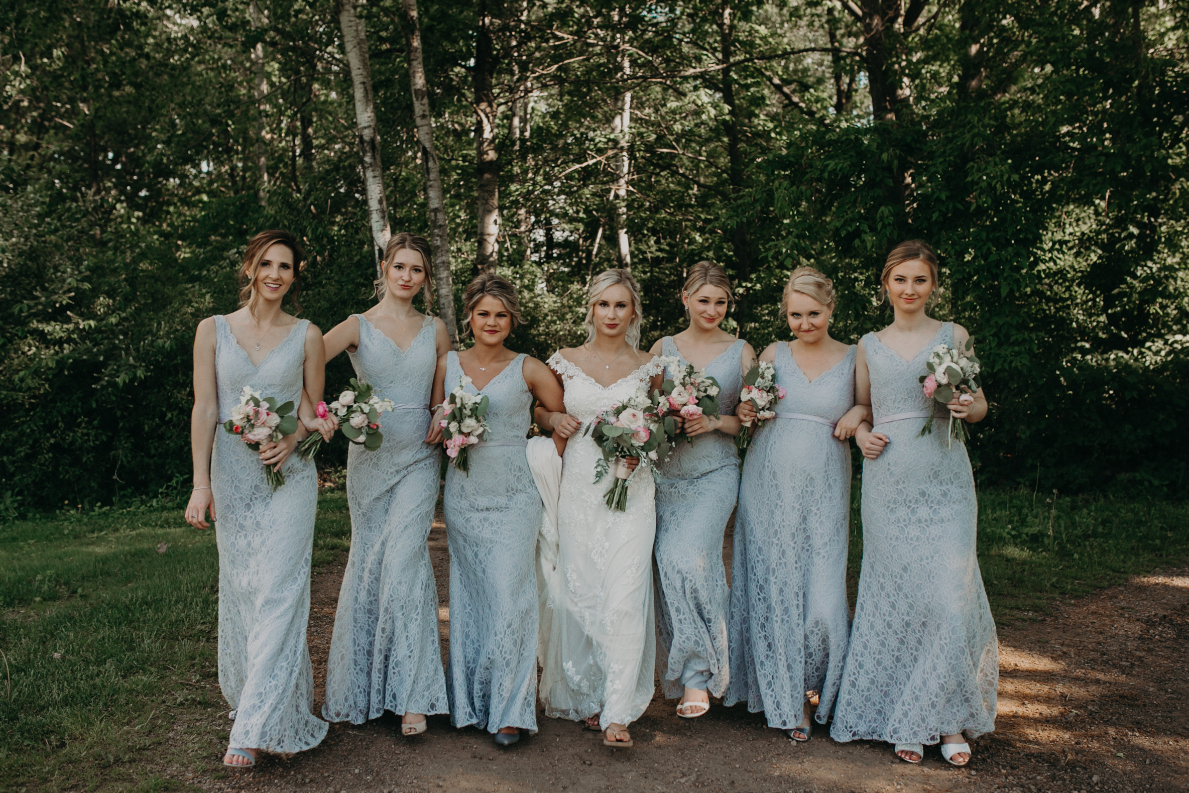 RiverEdge Golf Club wedding with beautiful girl gang in the wedding party