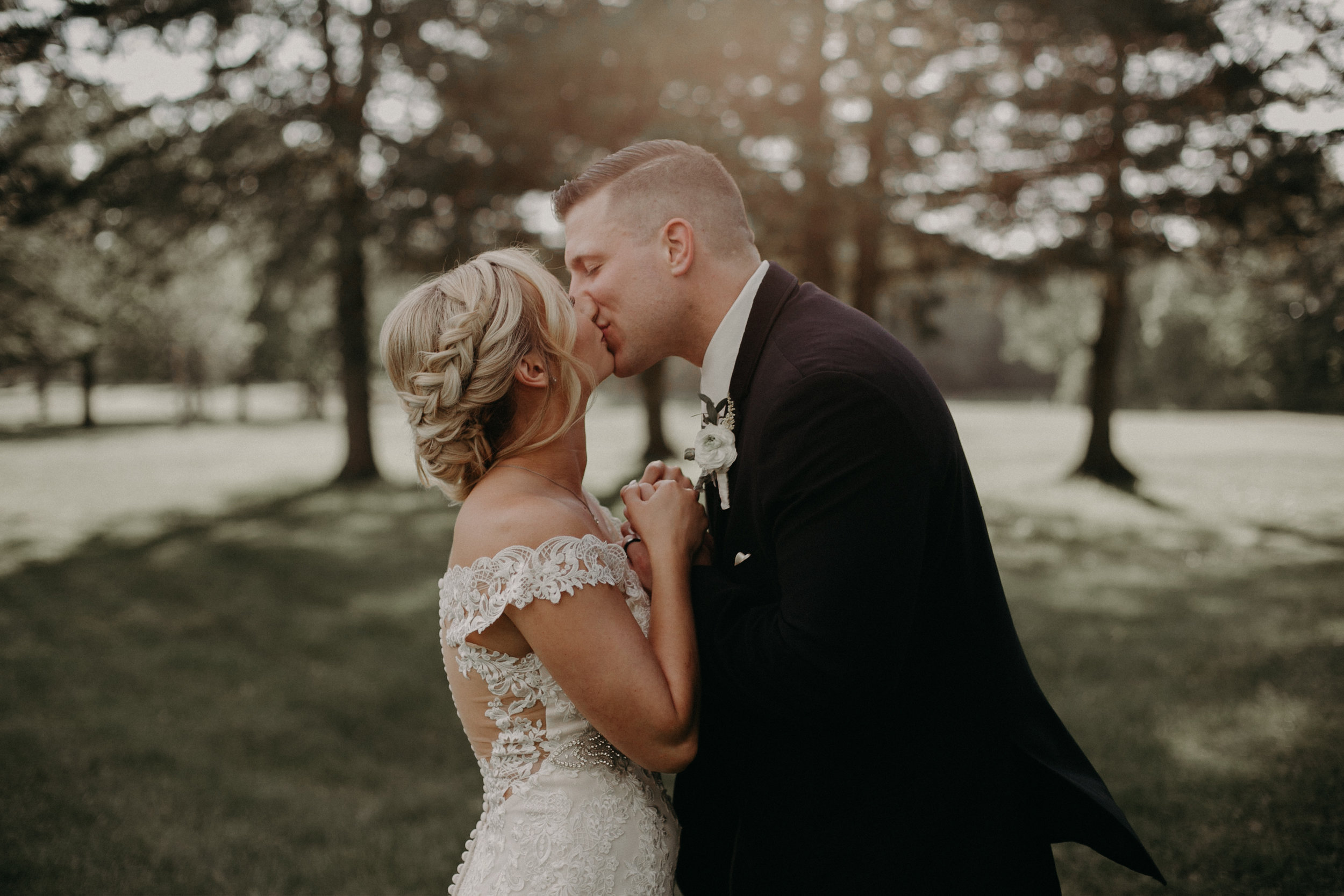 Andrea Wagner Photography captures sunset photos of wedding couple in Marshfield WI
